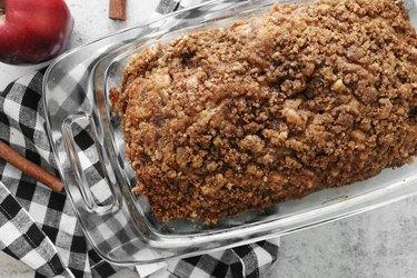 Bake apple pie bread