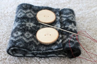 Felted-Wool-Coffee-Sleeve-Wrap-and-place-buttons