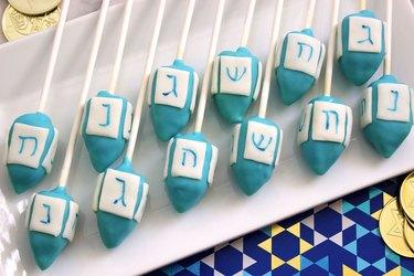 dreidel cake pops