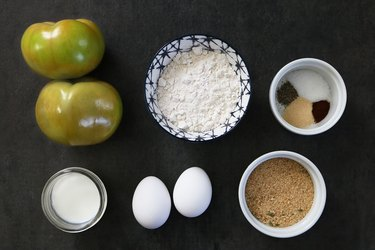 Ingredients for crispy green fried tomatoes