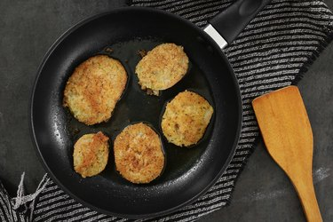 Fry green tomatoes