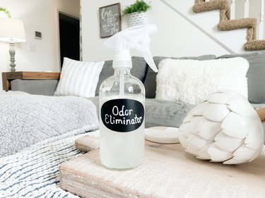 DIY natural odor-eliminating furniture spray