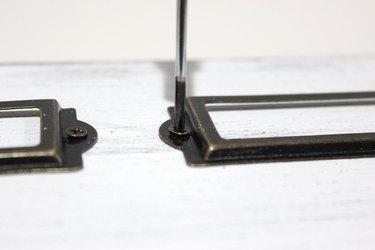 label screws