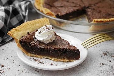Old-fashioned chocolate chess pie