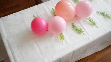 zig zagging balloons down table length
