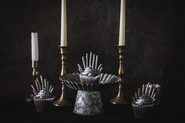 Iron throne cupcakes