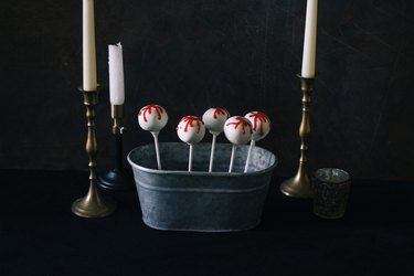 Game of Thrones Red Wedding cake pops
