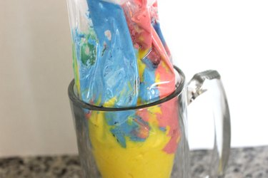 colored frosting