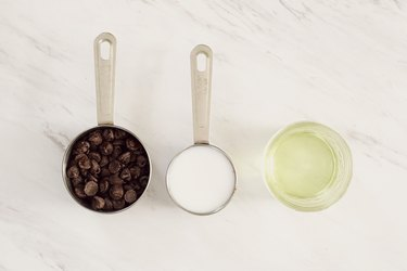 Chocolate dipping sauce ingredients