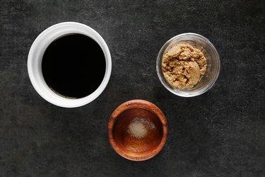 Ingredients for balsamic glaze