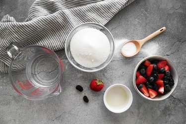 Ingredients for berry simple syrup