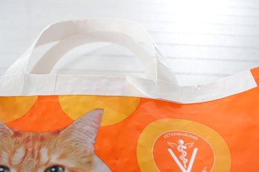 Jump on the zero waste bandwagon and be stylish and responsible by creating reusable grocery bags from empty animal feed sacks.