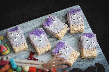 Three-eyed monster rice krispie treats