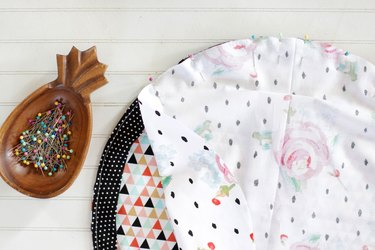 This drawstring makeup bag will help you on your way to feeling more organized and will make it simple to sort, pack, and access your cosmetics anytime.