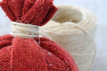 sweater-pumpkins-stuff-and-wrap-stem