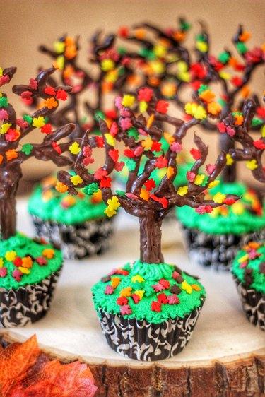 fall tree cupcakes