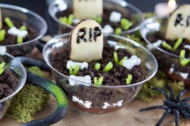 DIY Graveyard Pudding Cups