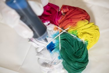 Tie dying a t shirt