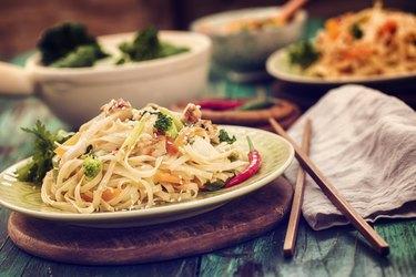 Asian Chicken Noodles Stir Fry
