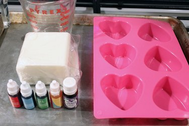 materials for sweetheart soap