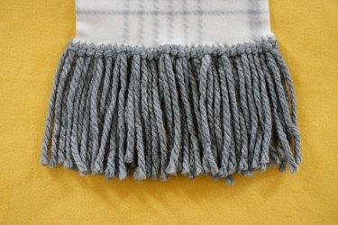 finished yarn fringe