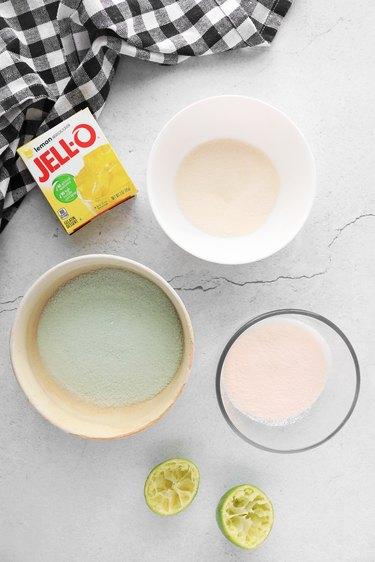 Pour gelatin into bowls