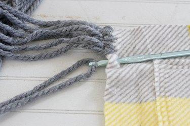 lasso yarn with hook