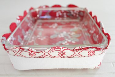 Edge of hot-dish basket with clear dish inside