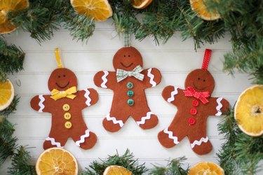 DIY felt gingerbread ornaments