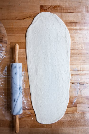 roll pizza dough