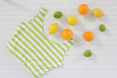 no-sew produce bag with fruit