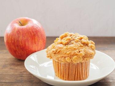 Apple crumble cupcake muffin
