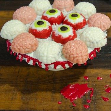 Brain and eyeball candies