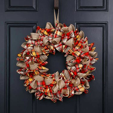 Glizhome 18.5-Inch Fall Plaid Fabric Wreath