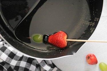 Dip fruits into sugar syrup