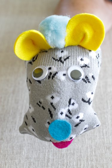 finished mouse puppet