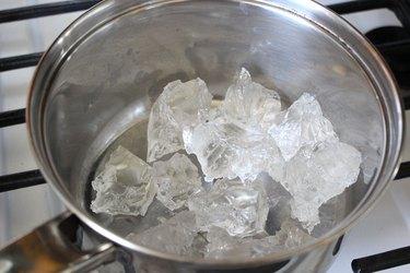 gel wax in small pot