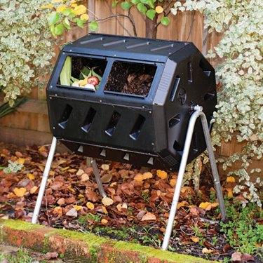 IM4000 Dual Chamber Tumbling Composter