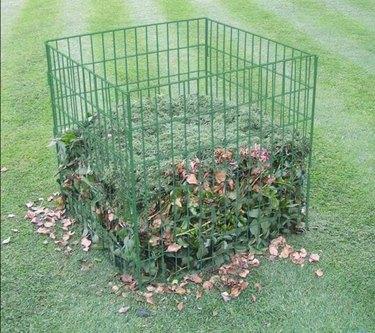 Bosmere 100-gal wire compost bin