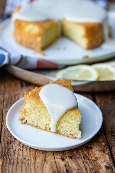 Finished lemon olive oil cake