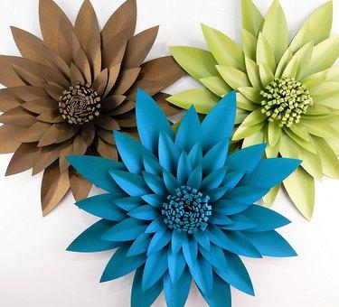 Make Your Own Flower Backdrop DIY