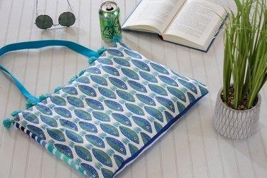 finished DIY beach towel tote bag