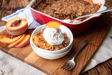 Homemade peach crisp recipe
