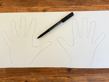 trace hands