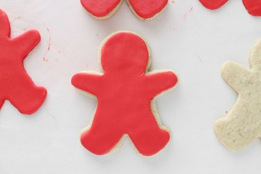 Place red fondant on cookie