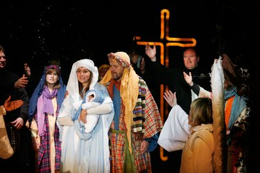 Wintershall Estate Stages Lavish Production Of The Nativity