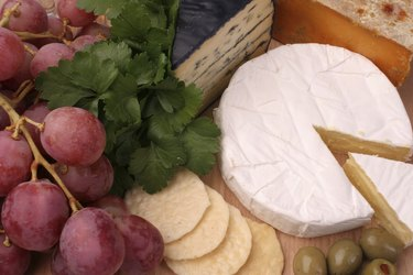 Double brie cheese platter