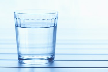 Beverage glass with liquid