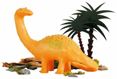 Dinosaur, papier-mache