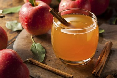 Organic Apple Cider with Cinnamon Ready to Drink
